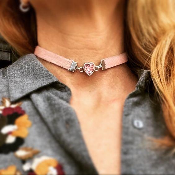 collar con cristal swarovski rosa