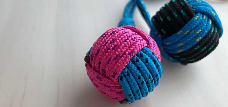 2 llaveros bola en 2 colores